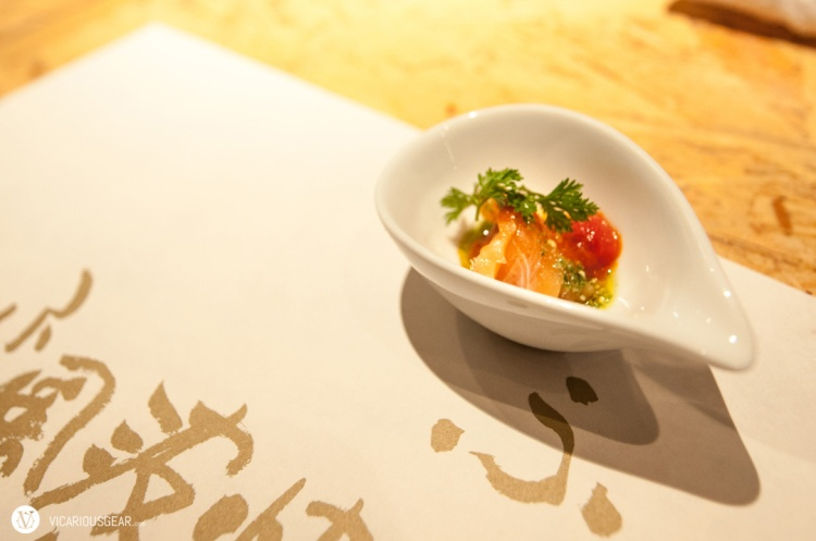 A quick taste of salmon tartare to start things off.