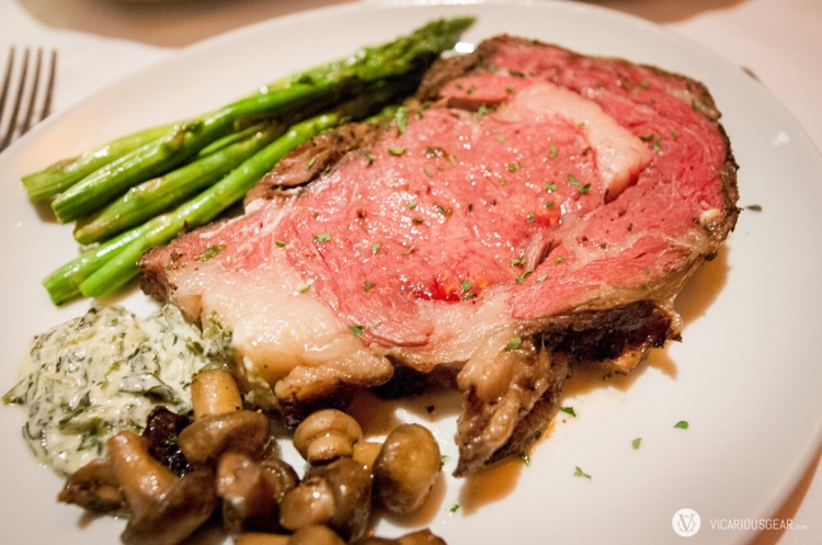 Prime rib, the main attraction. The sides were actually served on separate plates in portions 4-5 times the size of what you see here. I can never resist buttery mushrooms and creamed spinach.