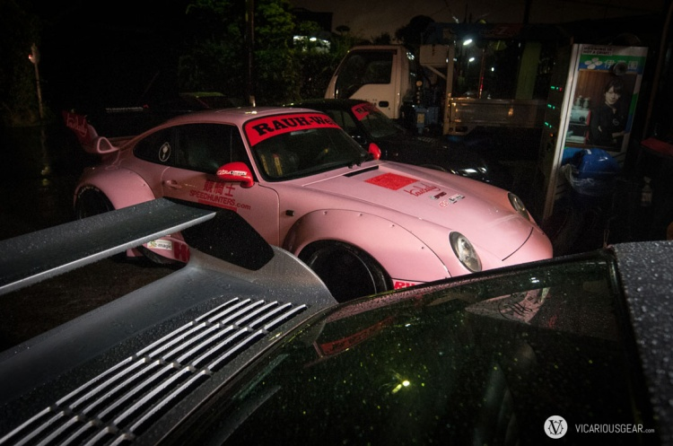 Rain was coming down hard by the time everyone was ready for the caravan to Motegi. I was assigned to drive the pink 993.