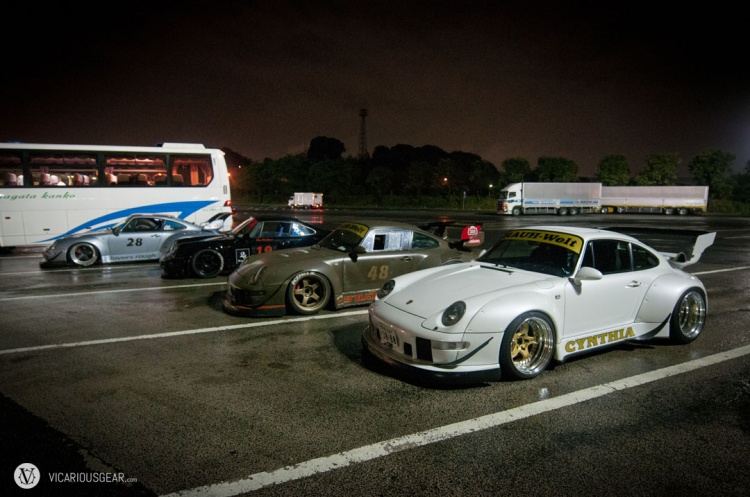 About 30 minutes later some more RWB Porsches started to arrive.