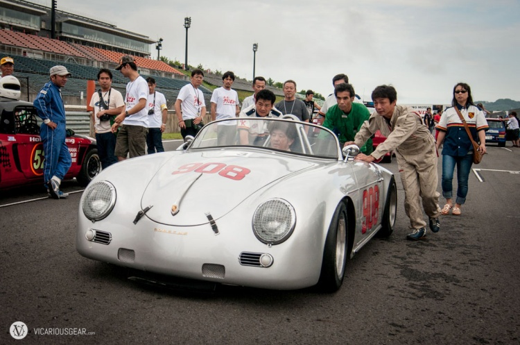 A central seating position Porsche 356? PLEASE TAKE MY MONEY!
