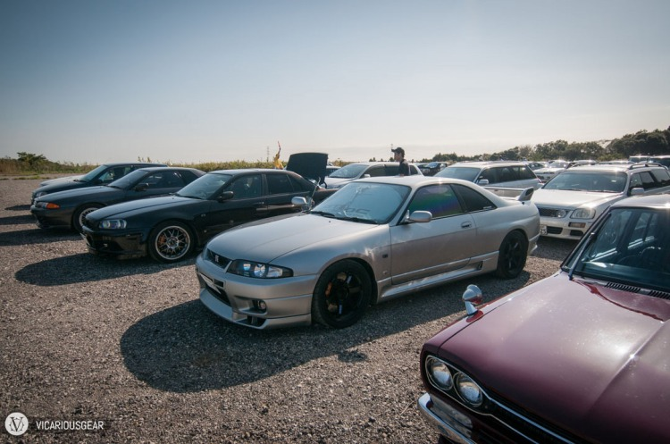 I split ways with the R33 just before the track but ended up pulling in at similar times.