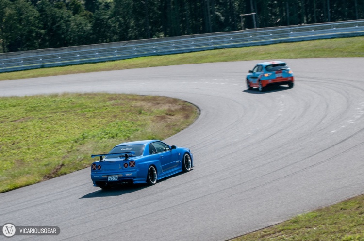 The tuned R34 was just itching for the pace car to get out of the way.