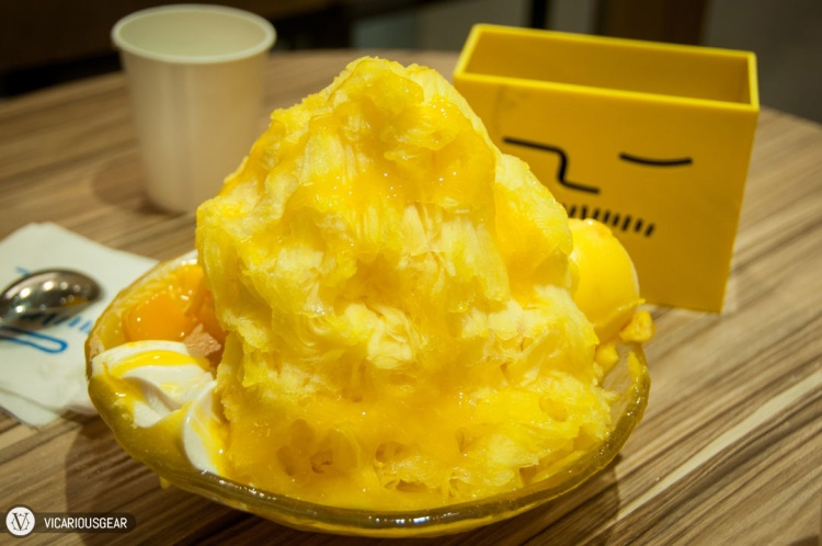 The Fresh Mango Sensation that Ice monster is so well-known for. With mango flavor captured in various forms (shaved ice, sorbet, fresh slices), it didn't disappoint.