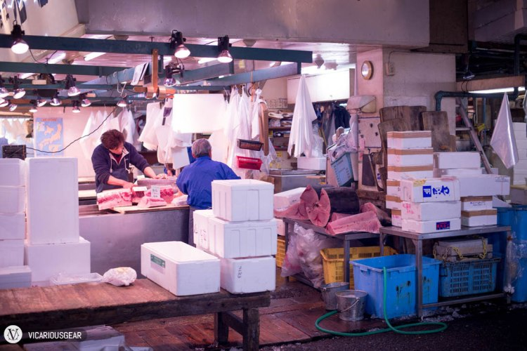 Near the center of the market area, we came across a famous tuna dealer under the name of Ishimiya.